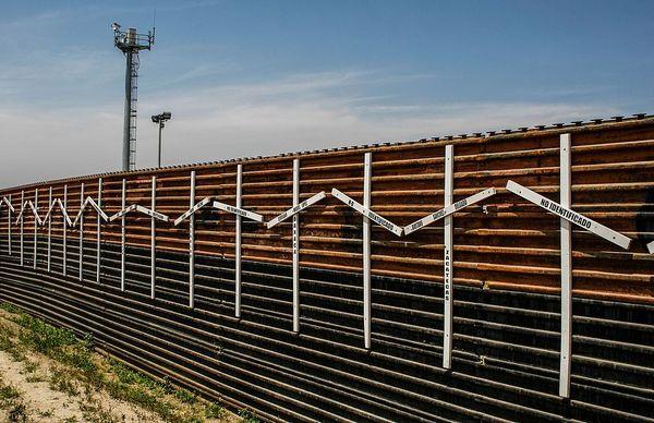 content_Border_Wall